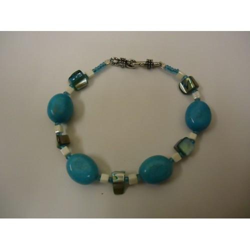 Designer Fashion Bracelet 8in L Beaded/Strand Faux Stones Female Blues/Ivories