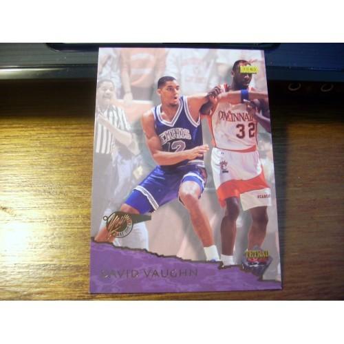 1995 Signiture Rookies College Basketball NCAA Draft 16 David Vaughn Memphis MT
