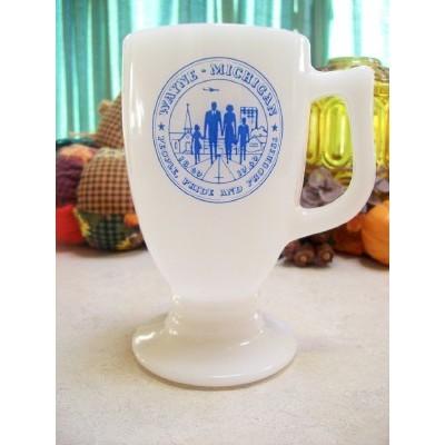 CITY of WAYNE MICHIGAN - 1869-1969 MILK GLASS MUG - PEOPLE PRIDE and PROGRESS