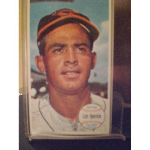 BASEBALL CARD: 1964 TOPPS GIANT #39 LUIS APARICIO EX/NM