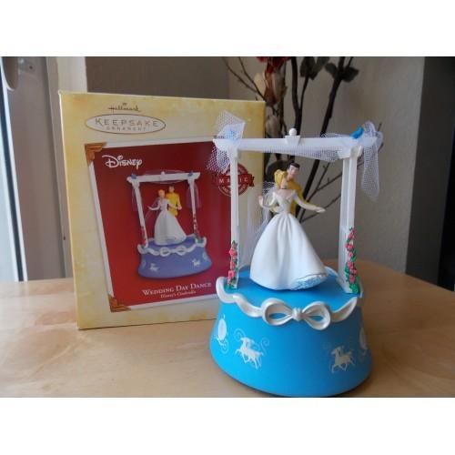 Disney Hallmark Keepsake Cinderella Wedding Day Dance Animated Figurine