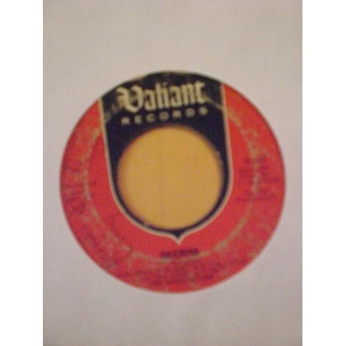 45 RPM: #1057.. THE ASSOCIATION - CHERISH & DON'T BLAME IT ON ME / VALIANT 247 .