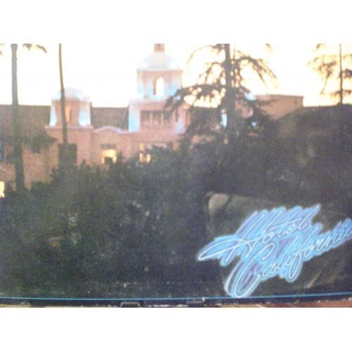 33 RPM: #590.. EAGLES - HOTEL CALIFORNIA / ASYLUM 7E-1084 / VG/VG+ ..