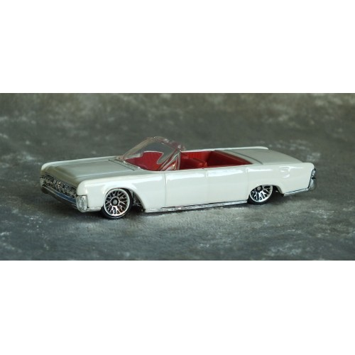 1964 LINCOLN CONTINENTAL  HOT WHEELS 1999
