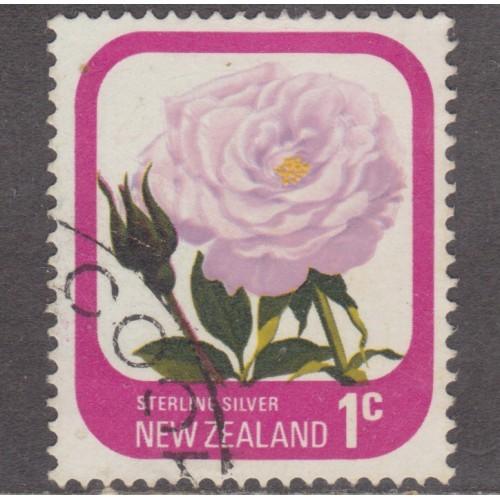USED NEW ZEALAND #584 (1975)