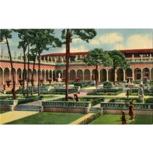 Linen Postcard. Corner of Court of Ringling Art Museum, Sarasota, Florida