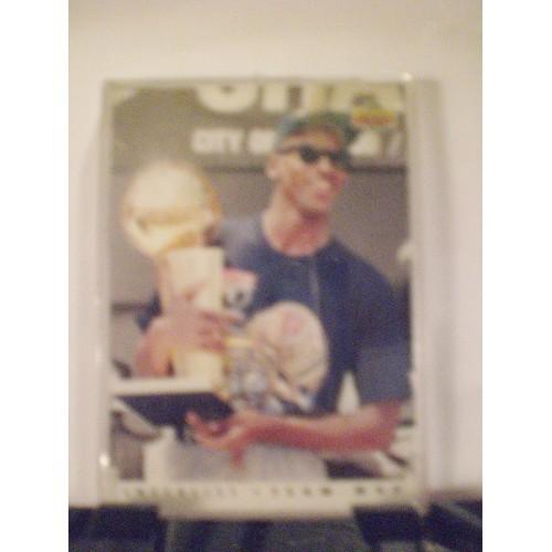 BASKETBALL CARD: 1992-93 UD #TM1 MICHAEL JORDAN TEAM MVP CHECKLIST
