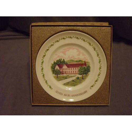 "Avon Tenth Anniversary collector plate in box "" The California Perfume Co. """