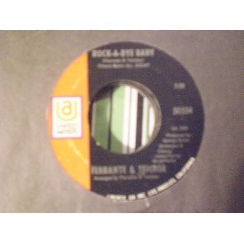 45 RPM: #4113.. FERRANTE & TEICHER / ROCK-A-BYE BABY / UA 50554 / VG/VG+