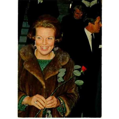 NETHERLANDS - queen Beatrix ~holding rose~