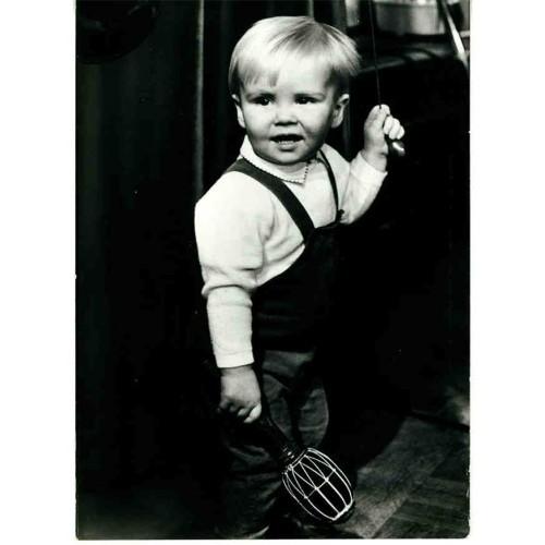 NETHERLANDS - toddler prince Willem-Alexander with rattle