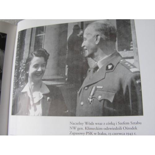 Pomocnicza Wojskowa Sluzba  Kobiet z Korpusu 1941-1945. Bobinska. (Polish)