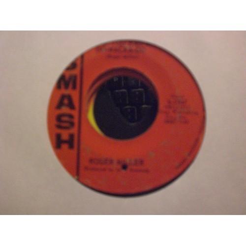 45 RPM: #7113 ROGER MILLER - DO-WACKA-DO & LOVE IS NOT FOR ME / SMASH 1947 / VG+