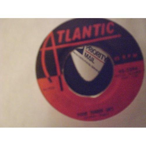 45 RPM: #2873b.. THE CLOVERS - YOUR TENDER LIPS & LOVE, LOVE, LOVE / 1956 ATLANT