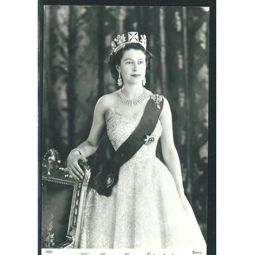 ENGLAND - Queen Elizabeth II ~gala dressed~
