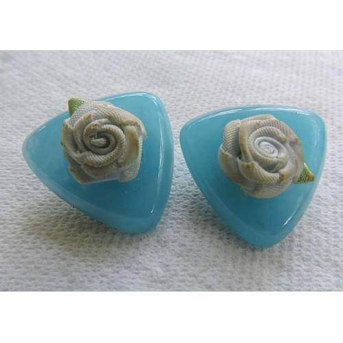 Vtg 1970s Fabric Lt Blue Rose Green Leaf Center Blue Plastic Triangular Earrings