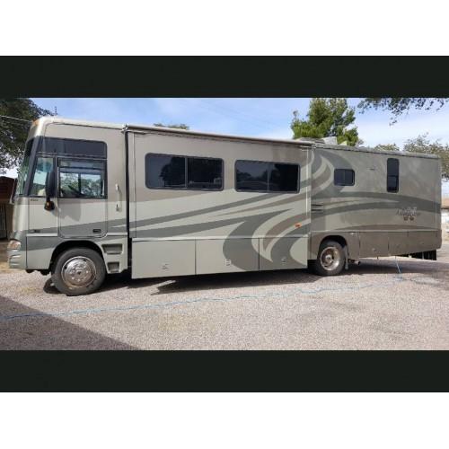 2005 Winnebago Adventurer 35A For Sale in Oracle, Arizona 85623