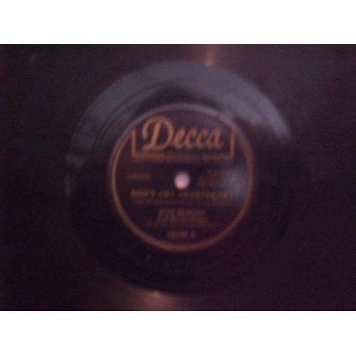 78 RPM: #3250 RUSS MORGAN - DON'T CRY SWEETHEART (vocal MORGAN TRIO) VG / DECCA