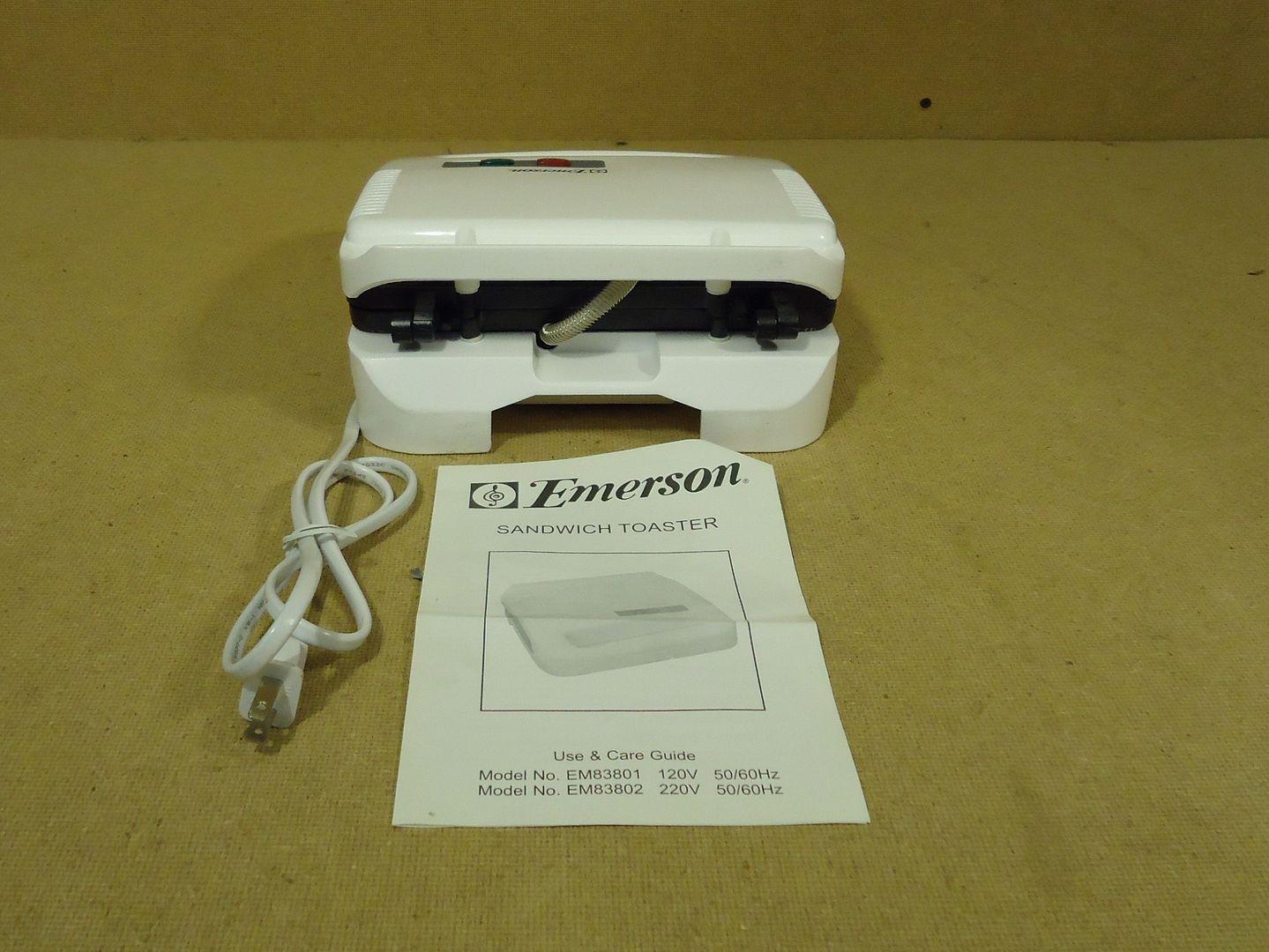 jw1540 101812-856z Emerson Sandwich Toaster 10in x 9in x 4in White EM83801 Plastic Metal