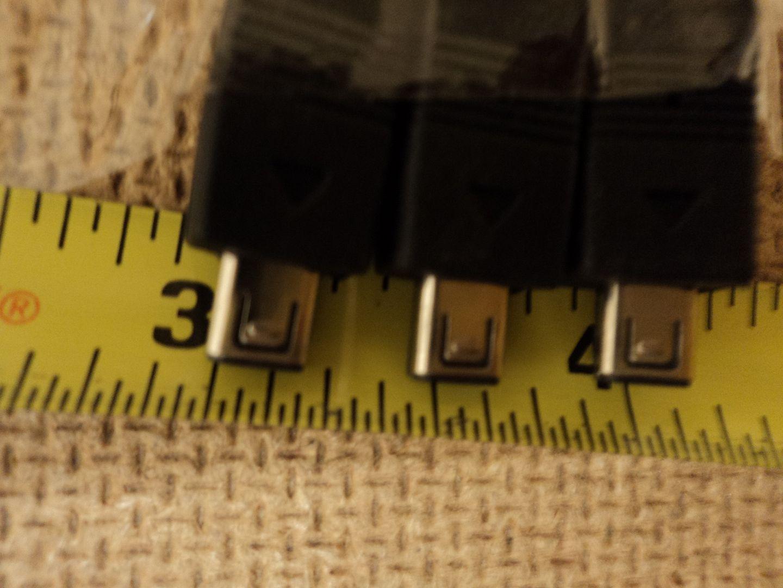 110912-196d Standard USB Camera Cables 30 & 36in L Black Lot of 4 Mid #0021110