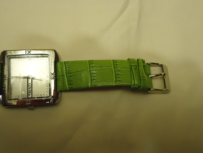 lm7410 112612-294n GNW Watch Fashion Analog Leather Band Female Adult Greens Solid