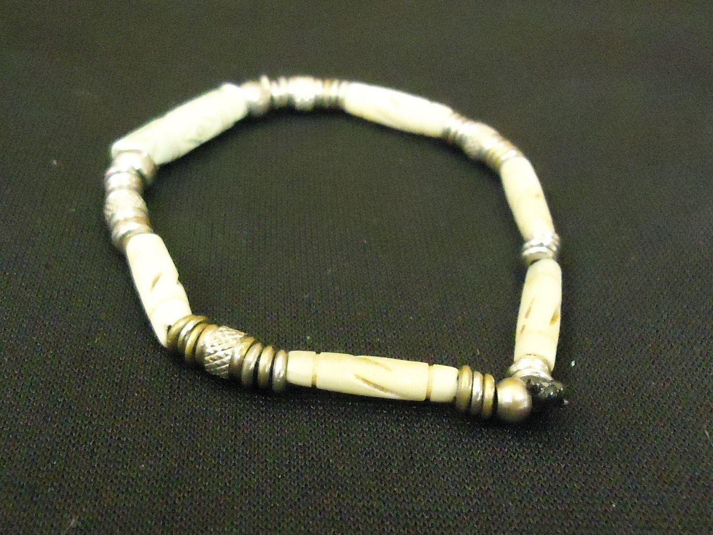 lm7410 112712-568n Designer Fashion Bracelet Strand/String Metal Stone Female Adult Green/Silver/Beige