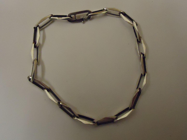 lm7410 120212-750n Designer Fashion Bracelet 8in L Chain/Link Metal Female Adult Metallic