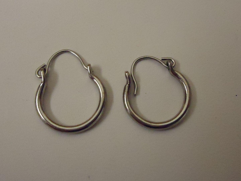 lm7410 120212-756n Designer Designer Earrings 3/8in Diameter Hoop Metal Female Adult Metalics