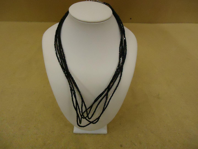 lm7410 120212-776n Designer Fashion Necklace 19in L Beaded/Strand Female Adult Blacks
