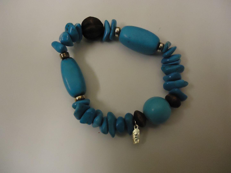 lm7410 120312-120a Designer Fashion Bracelet 2 1/4in Diameter Beaded/Strand Faux Stone Female Blues