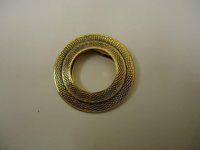 lm7410 120312-142a Designer Fashion Pendant 1 3/4in Diameter Round Metal Female Adult Gold