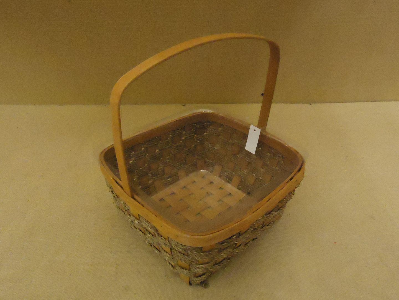kk9779 010713-884a Designer Basket 13in H x 11in W x 11in D Woodtone Handle Plastic Liner Wicker