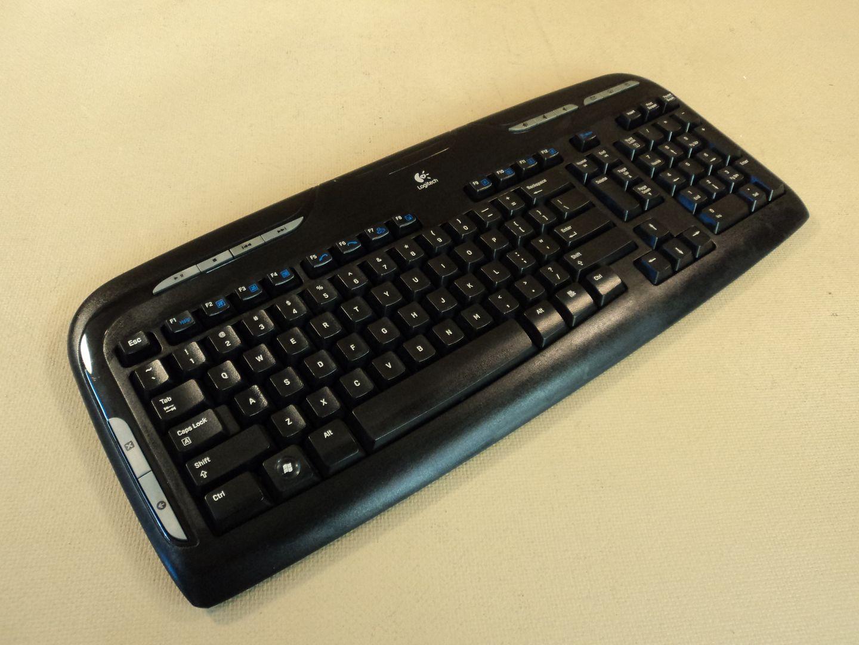 120714-318t Logitech Multimedia Wireless Computer Keyboard Y-RAZ71 820-001176 photo DSC07763-1.jpg