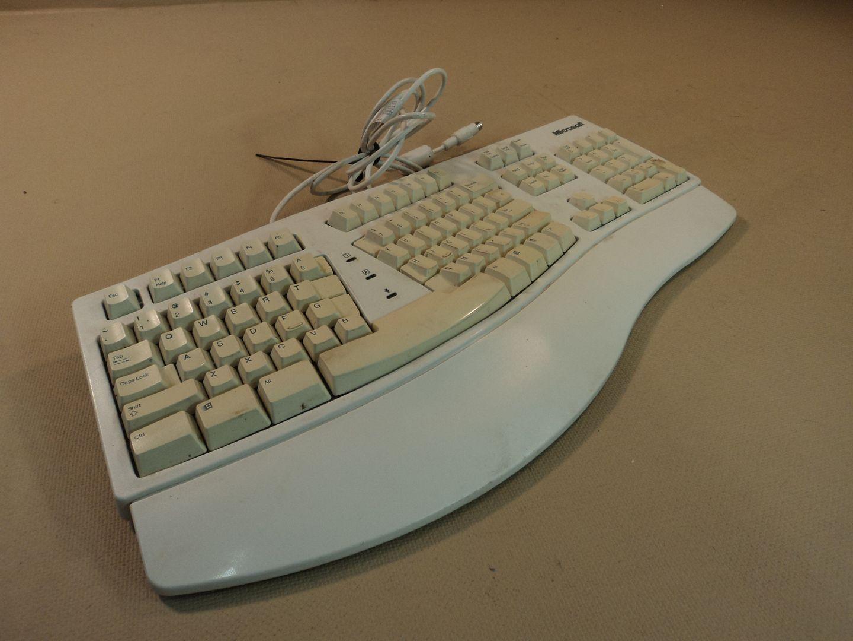 120714-372t Microsoft Natural Ergonomic Computer Keyboard PS2 5821 photo DSC07986-1.jpg