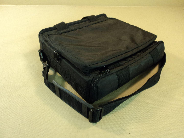 120714-422t Standard 13 Inch Laptop Bag Padded photo DSC08200a_1.jpg