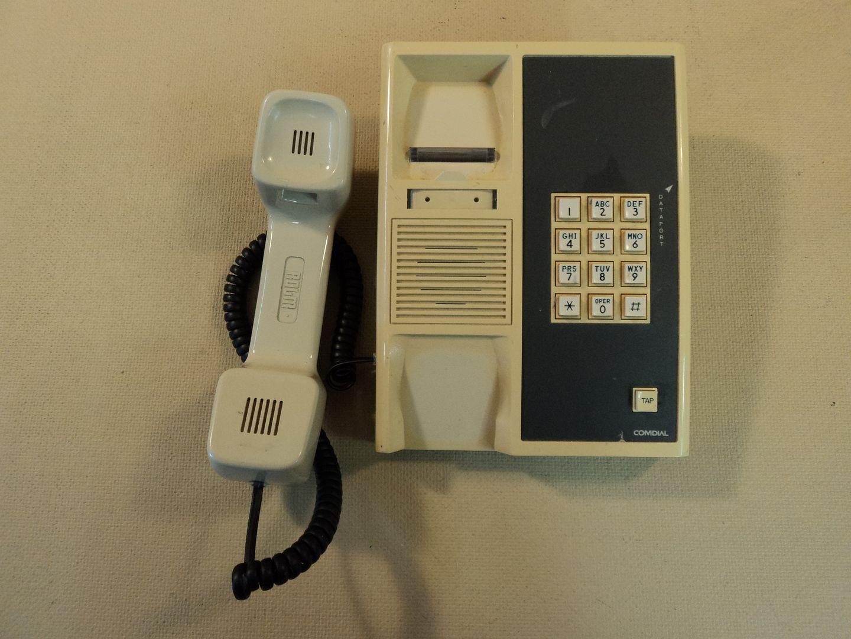 122714-746c Comdial Corded Office Phone 903A Ver 4 photo DSC09249.jpg