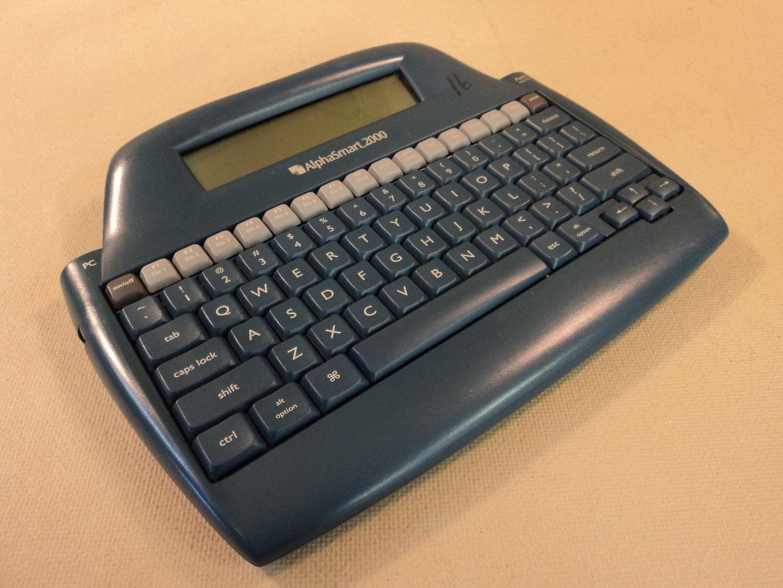 122714-880c Intelligent Peripheral AlphaSmart 2000 Word Processing ALF2000-0398-07916 photo DSC09772.jpg
